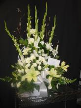 Sympathy Basket All White