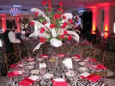 Feather and Red Rose Wedding Table Decor