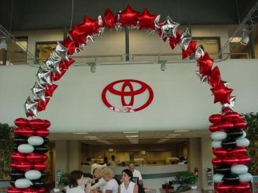 Toyota Mylar Columns and Arch